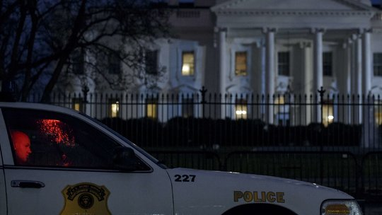 Josh Earnest, the White House press secretary, says that a small electronic device found on the White House lawn overnight is not thought to pose a threat to anyone within the building.