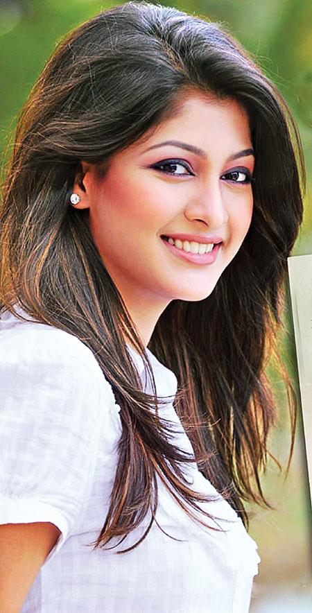 Sarika Thakur Movie List , Height, Age, Family, Net Worth