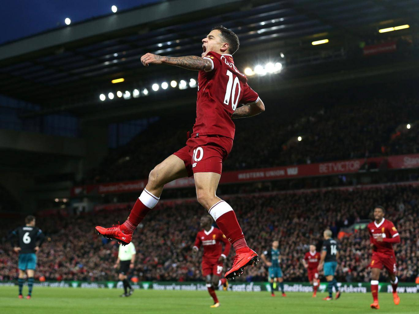 Coutinho urged to leave Liverpool for PSG