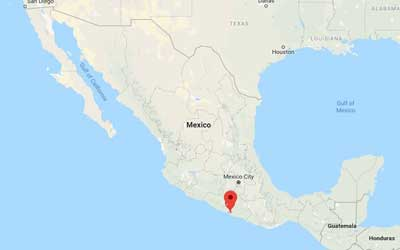 10 die after car crash in southwest Mexico