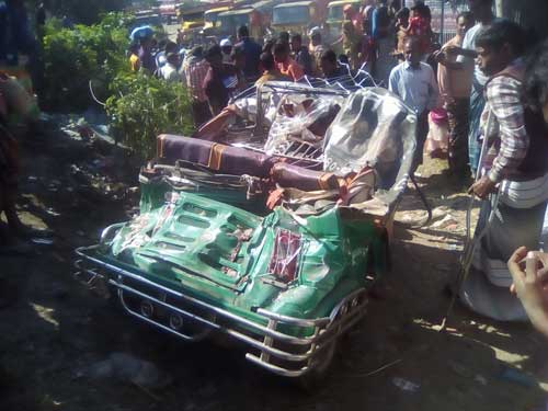 Couple among 5 killed in Sirajganj road accident