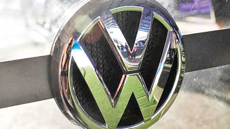 Swiss VW owners seek damages in emissions scandal