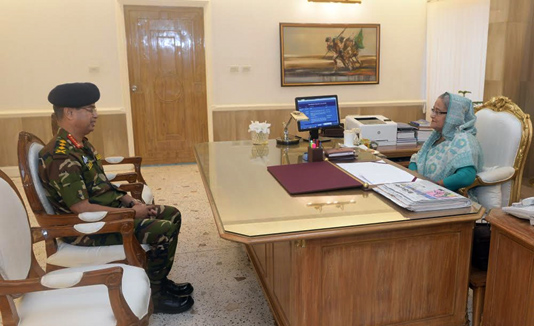 Outgoing Army chief meets PM Hasina
