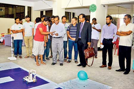 Vice-Chancellor of CUET visits robotic competition