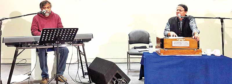 Prabuddha Raha and Soumitra Sengupta perform in city
