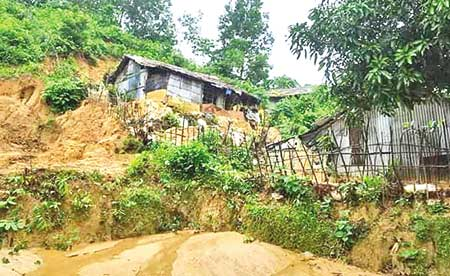 70,000 living on Ramu hills amid risk