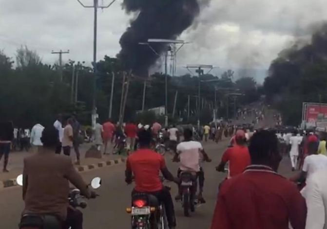 35 killed in gas tanker explosion