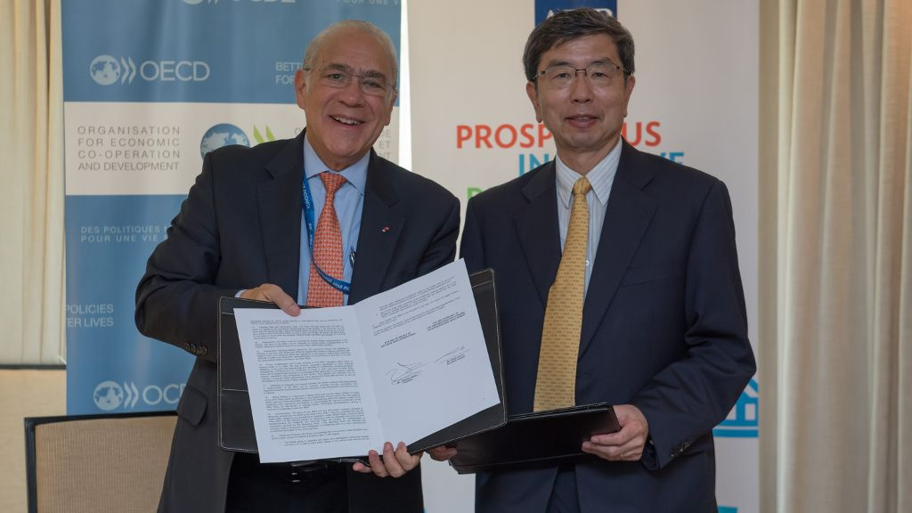 ADB, OECD sign agreement to deepen partnership for Asia-Pacific
