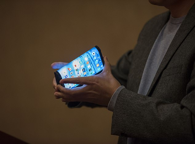 Royole's radical foldable smartphone made its global debut at CES International in Las Vegas on Monday morning, beating Samsung and other top phone makers in the race to bring flexible handheld devices to consumers