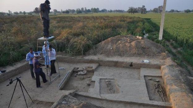 Scientists have excavated 40 graves in Rakhigarhi
