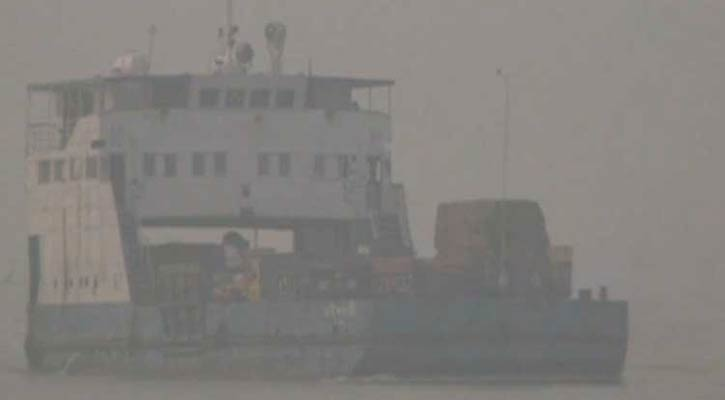 Paturia-Daulatdia ferry service halted due to heavy fog