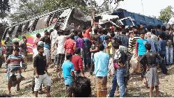 Road crashes kill 10 in seven districts
