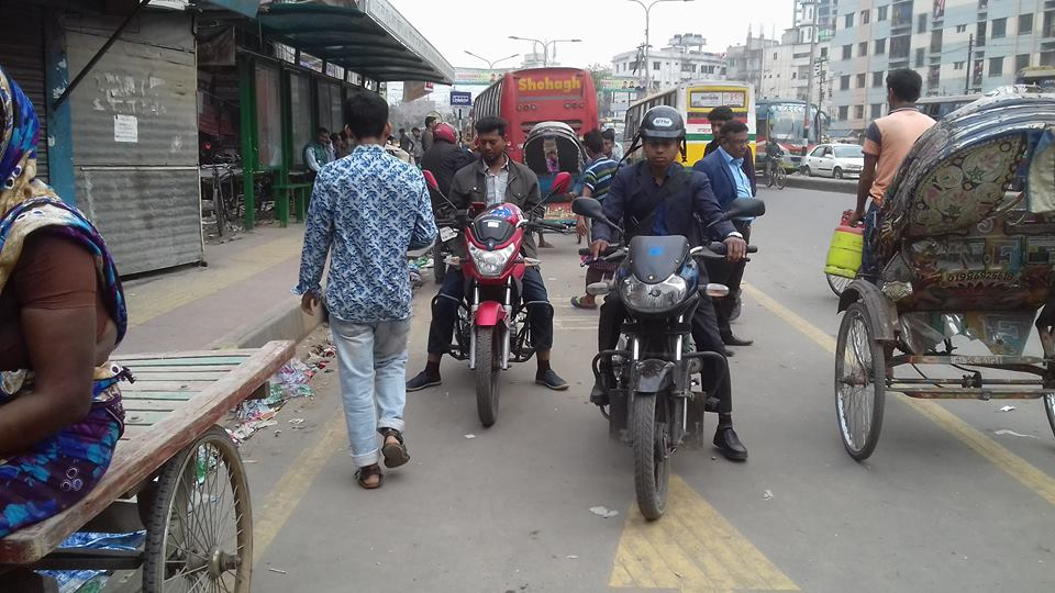Neither passengers stand nor buses stop at stoppages