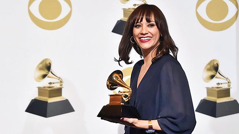 Rashida Jones collected the Grammy for her father's film, Quincy