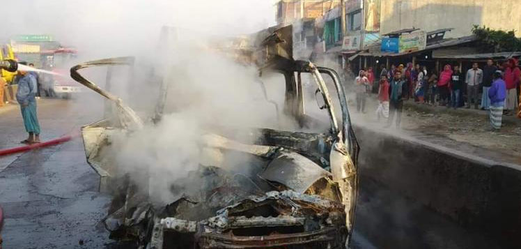 3 burnt to death in microbus fire