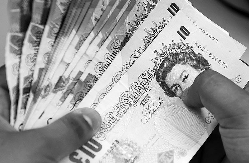 Brexit concerns, inflation keep pound below $1.29