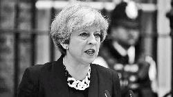 Sterling drops to 4-week low before Brexit debate