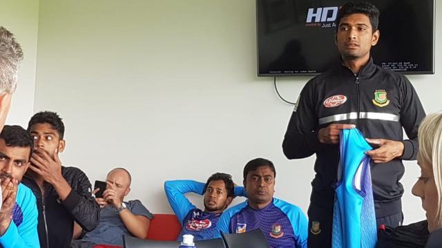 Bangladesh cricket team escapes NZ mosque shooting