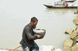 Ban brings misery to fishermen
