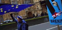 Stop Brexit: 700,000 sign to stay in EU