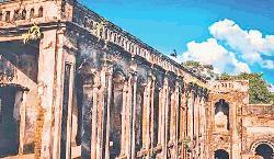Haripur Zamindar Bari turns shabby for lack of maintenance