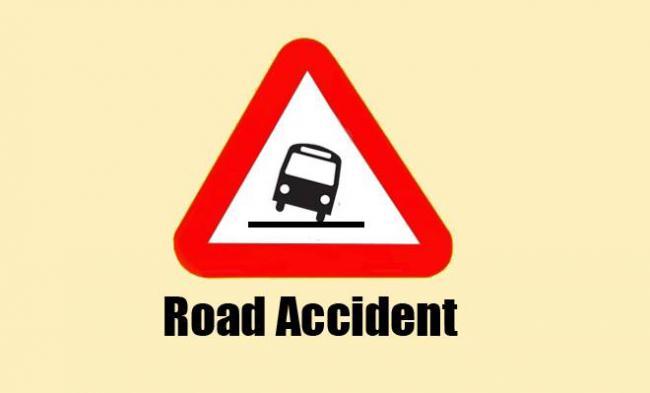 Schoolboy runs over by bus