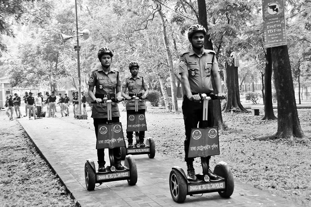 Members of Dhaka Metropolitan Police patrolling the Ramna Park, the venue of a key Pahela Baishakh event of Chhayanaut, on Saturday ahead of Bangla New Year celebrations.    photo : observer