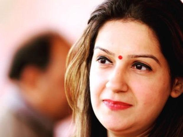 Priyanka Chaturvedi quits Congress to join Shiv Sena