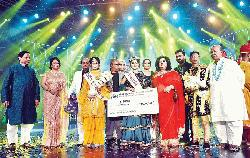 Labiba wins the first crown of Gaaner Raja