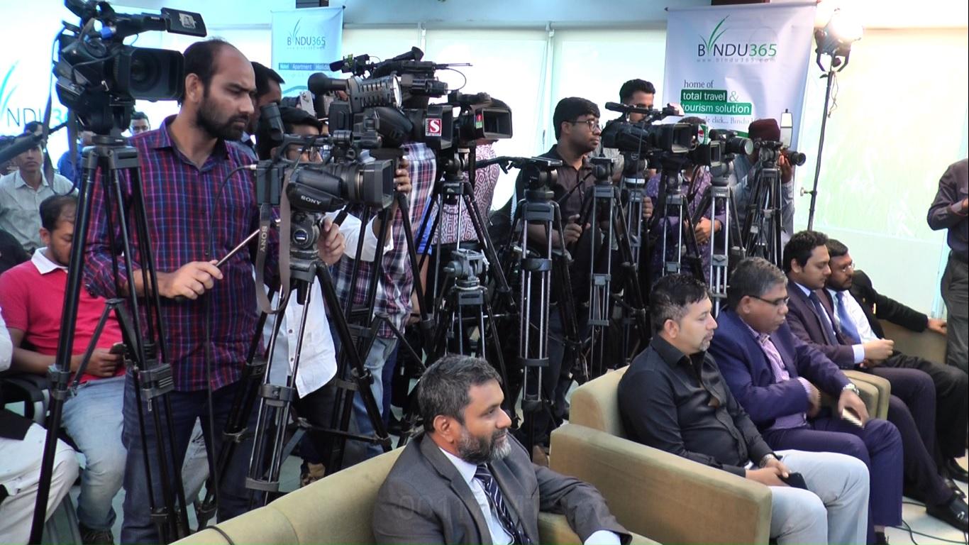 Shomi Kaiser 'confines' journos over stealing cell phones