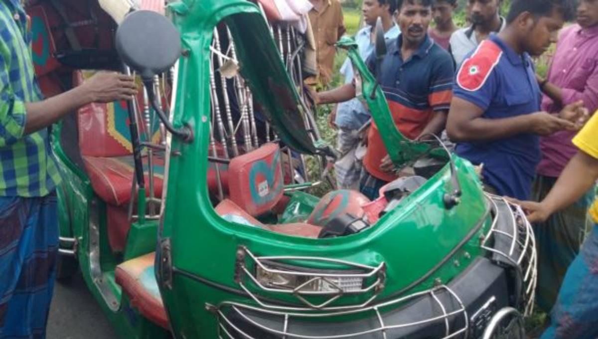 5 killed in Shahrasti accident