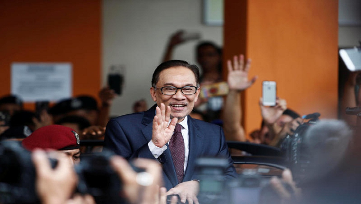 Malaysia working to ensure welfare of BD workers: Anwar Ibrahim