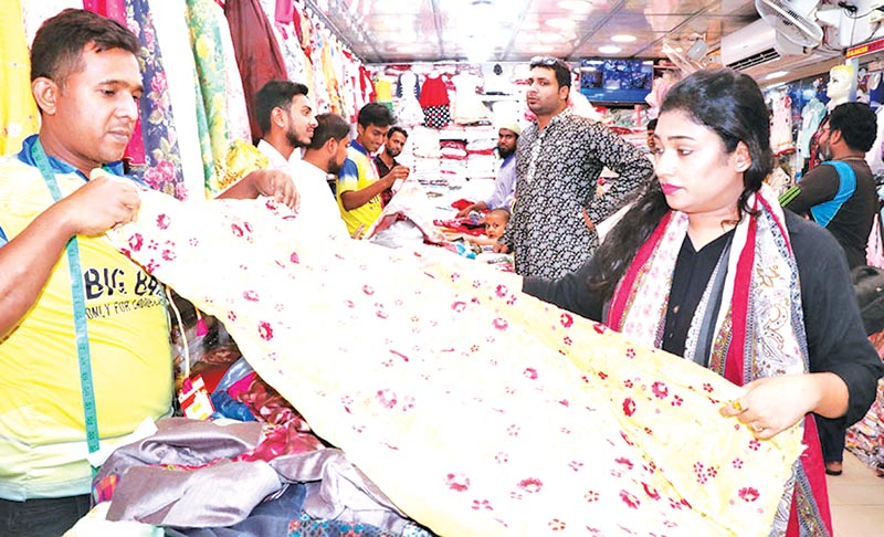 Eid shopping gains momentum in Khulna, Rajshahi