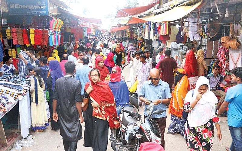Eid shopping fever grips Khulna City