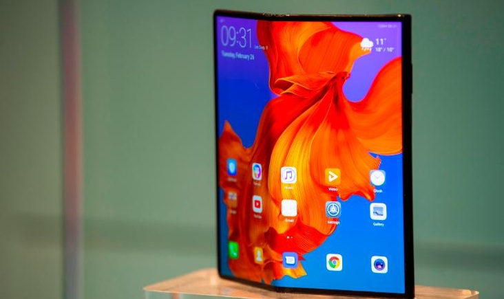Huawei delays the launch of its $2,600 foldable smartphone