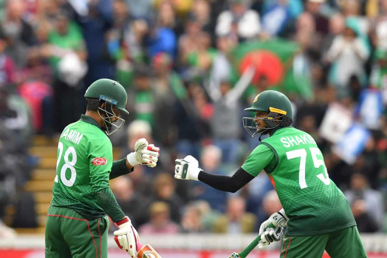 Shakib keeps Bangladesh in the hunt