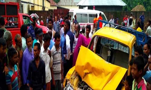 2 killed as truck rams auto-rickshaw