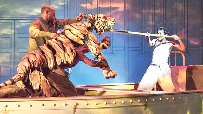 Five-star reviews for Life of Pi on stage in Sheffield