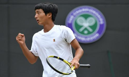 Mochizuki makes Grand Slam history for Japan at Wimbledon