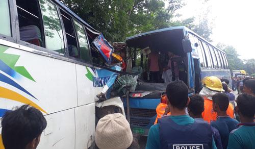 30 injured in Sonaimuri road accident