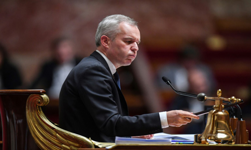 French minister resigns after lobster dinner scandal