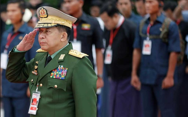 US bans Myanmar army chief over Rohingya 'ethnic cleansing'