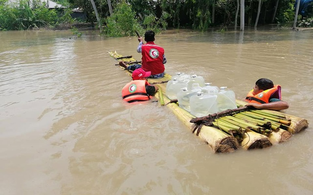Floods put 4 mln people at risk in Bangladesh