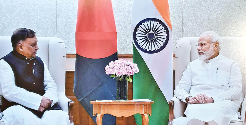 Home Minister Asaduzzaman Khan calls on Indian Prime Minister Narendra Modi at his official residence in New Delhi on Thursday.photo: pid