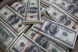 Dollar falls on rising fears trade war will hit U.S. growth