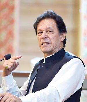 Pak ready to respond to any Indian aggression in Kashmir: Imran