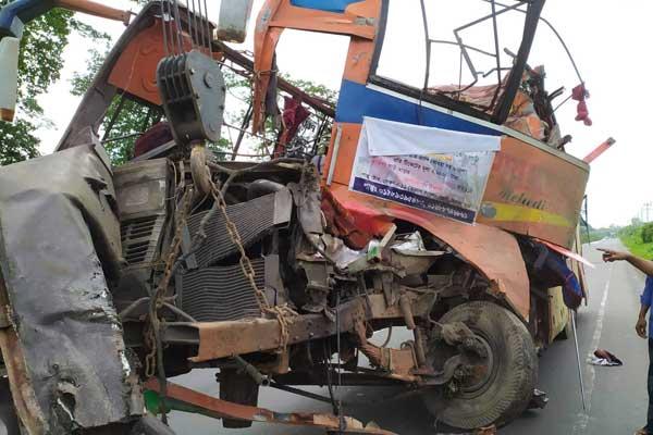 Feni road accident kills 8 picnickers
