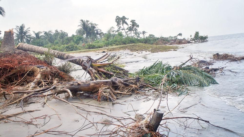 Erosion-hit 17,000 families of Dhalchar deprived of Eid joy