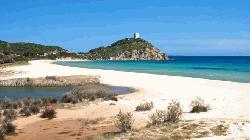 Sardinian sand theft: French tourists face jail term