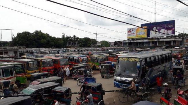 Bus services on Rajshahi-Naogaon route halted